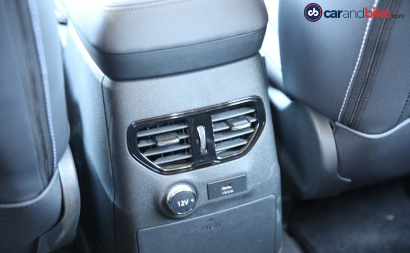 Tata Hexa Rear AC Vents