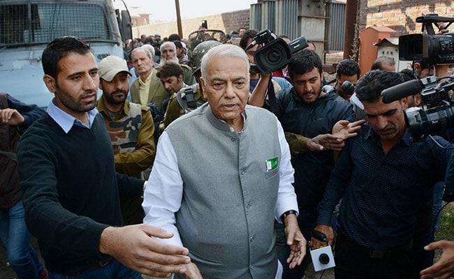 BJP के यशवंत सिन्हा का तंज: मोदी कहते हैं गरीबी करीब से देखी, अब जेटली सभी को दिखाने में जुटे