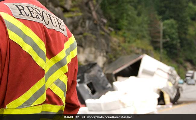Bus Crashes Into Truck In Maharashtra, Leaving 6 Dead