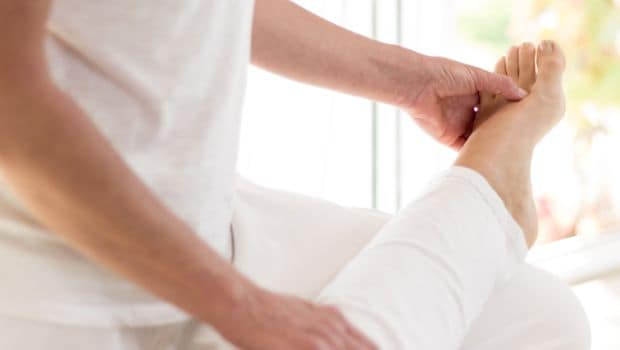 Chiropractic - An Alternate Medicine Form to Treat Back Pain and Headaches | WorldWide