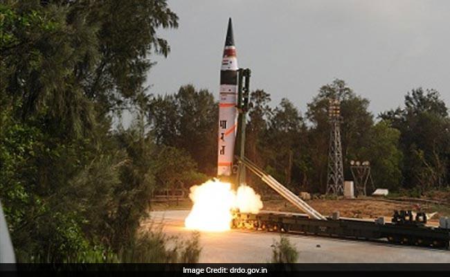 बैलिस्टिक मिसाइल अग्नि-2 का सफल परीक्षण, 2000 किमी से अधिक है इसकी मारक क्षमता