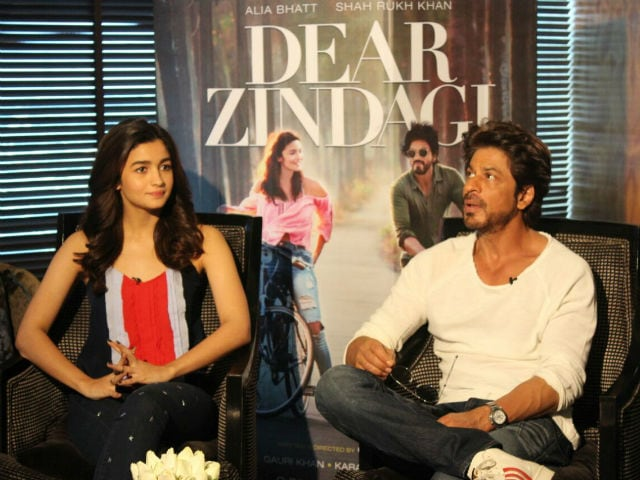 Poor Alia Bhatt. Shah Rukh Khan Hijacked Every Question We Asked Her