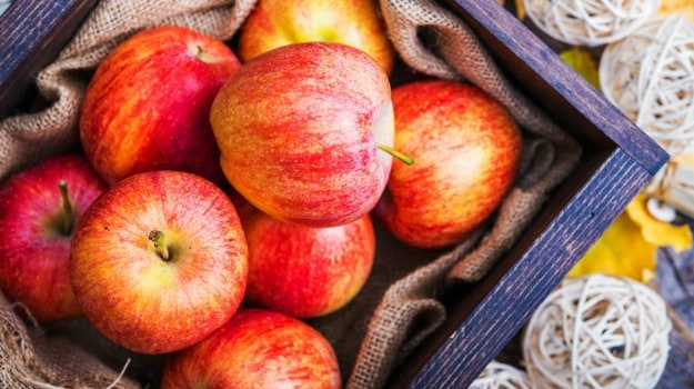 Never Eat Wax Coated Apples 4 Easy Ways To Get Rid Of It Ndtv Food