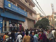 ATMs Go Dry Soon After Opening; Queues Continue At Banks
