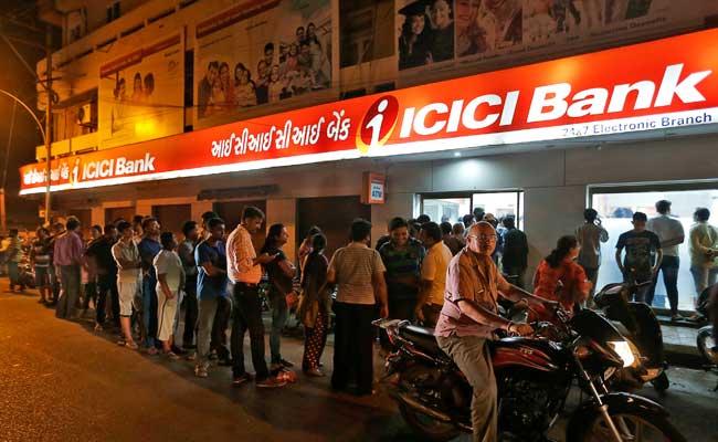 बैंकों से 100 रुपये के नोट वाले खास एटीएम लगाने को कहा गया था. क्या आदेश की हुई अनदेखी?