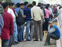 Mobs Lock Up Bankers Ahead Of Pay Day In Cash Crunch: Report
