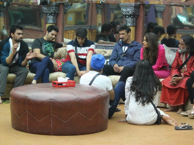 Umm. Bigg Boss 10 Contestants Don't Know Much of Their Cash is Useless