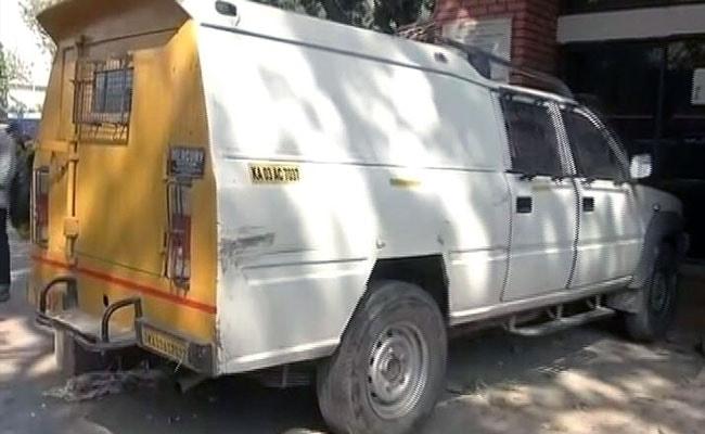 कर्नाटक: बैंक के 7.5 करोड़ रुपये के साथ कैश वैन सवार ग़ायब, खाली वैन मैसूर में मिली