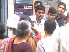 Tired, Desperate In Cash Queue? Meet 'Tricolour' Volunteers Of Chennai