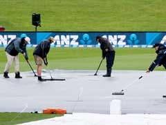 PAKvsNZपहला टेस्ट: बारिश बनी बाधा, पहले दिन का खेल धुला