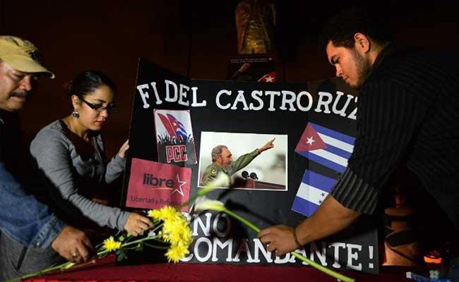 क्रांति को बचाने के लिए क्यूबाई लोगों ने किए शपथ पर हस्ताक्षर, कास्त्रो को श्रद्धांजलि