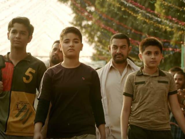 Dangal's New Song Dhaakad: Haanikarak Bapu Aamir Khan Gets Results
