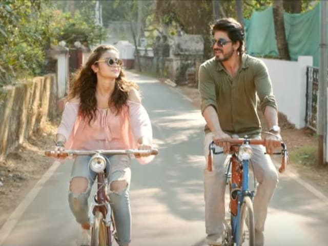Dear Zindagi Take 4: Shah Rukh Khan Simplifies Complex Emotions For Alia Bhatt