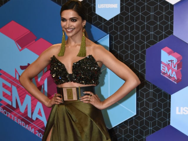 Deepika Padukone on Foreign Media's Worst-Dressed List. Twitter Outraged
