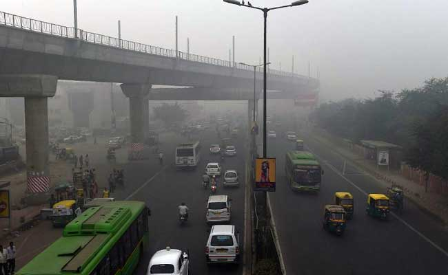 New Delhi's Air Quality Enters Red Zone, Forecast Grim
