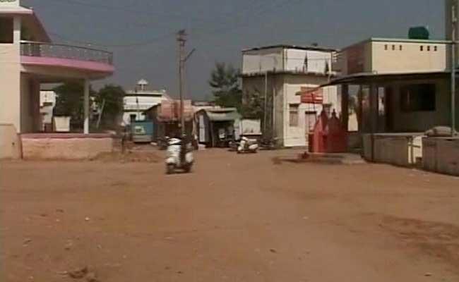 Gujarat Village Thumbs Nose At Cash Crunch, Pays Through SMS