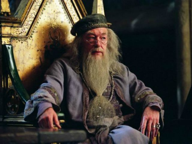 Fantastic Beasts Sequel Holds Time-Turning Surprise For Dumbledore Fans