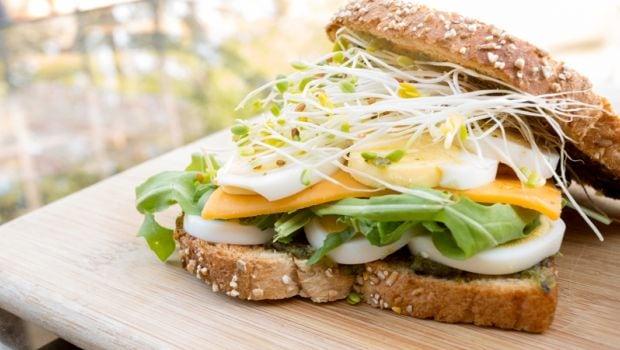 egg and cheddar sandwich