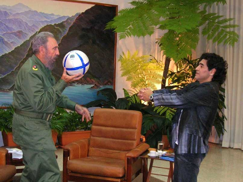 Diego Maradona Hails Fidel Castro as 'Second Father'