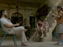 <i>Haanikaarak Bapu</i> Aamir Khan Prepares His Daughters For <i>Dangal</i>