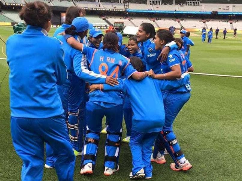 India Edge Past Pakistan to Win Women's T20 Asia Cup