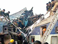 Disaster Response Team Rescues 54 Injured Passengers From Derailed Train Near Kanpur