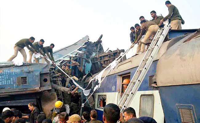 Volunteers Assist Victims, Rescuers At Mishap Site, Hospitals