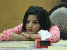 <I>Bigg Boss 10</i>: Monalisa's Fiance is 'Confused' About Getting Married. She Doesn't Know Yet