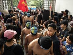 Nude Students, Filipino Activists Protest Dictator Ferdinand Marcos' Burial
