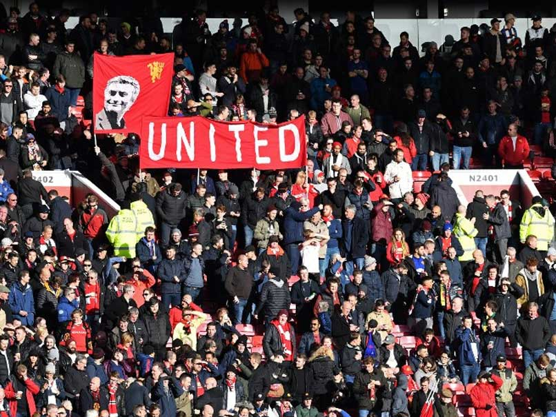 Manchester United Fans Hid in Old Trafford Toilet Ahead of Arsenal Clash
