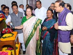 Swipe Machine Arrives With Pomp Day After PM Suggests Cashless Parliament