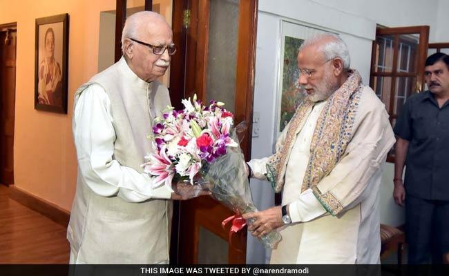 Prime Minister Narendra Modi Greets LK Advani On His 90th Birthday