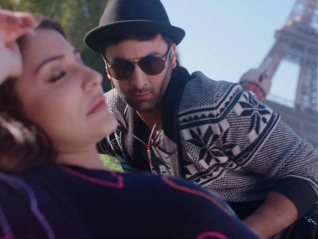 In Ae Dil Deleted Song, Ranbir and Anushka Enjoy An Evening In Paris