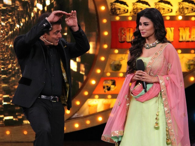 Bigg Boss 10: Salman Khan's Naagin Dance With Mouni Roy