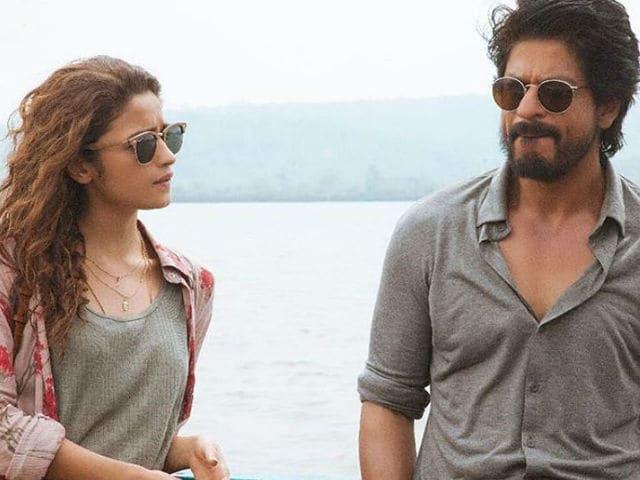 Dear Zindagi Preview: Shah Rukh Khan, Alia Bhatt And Life. It's Complicated