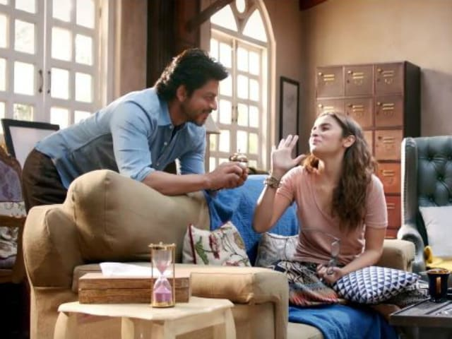 Alia Bhatt Wishes Shah Rukh Khan With New Dear Zindagi Pic on Birthday
