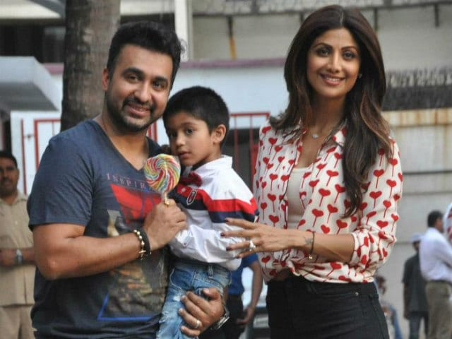 No, That's Not a Pic of Shilpa Shetty Queuing at ATM, Says Her Husband