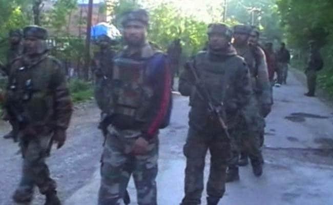 जम्मू-कश्मीर में आतंकियों, सुरक्षा बलों के बीच मुठभेड़