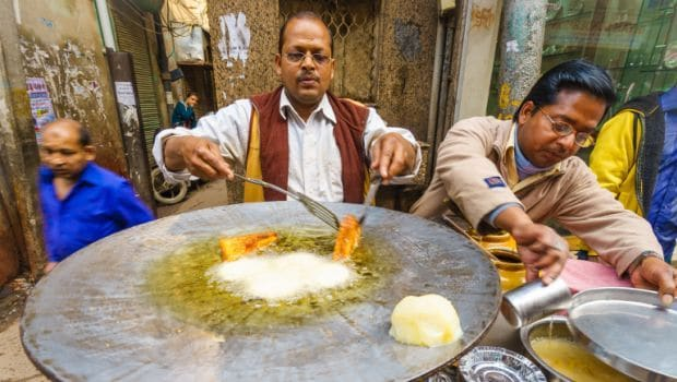 Street Food Vendors Need to be Trained in Cashless Sales: Union Minister