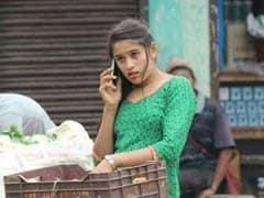 After Pakistani <i>'Chaiwalla,'</i> Nepali <i>'Tarkariwali'</i> Has Twitter's Attention