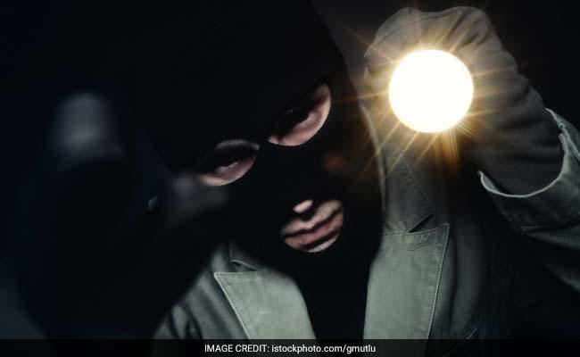 चोर ने चोरी के दो दिन बाद माफी मांगते हुए गहने लौटाए