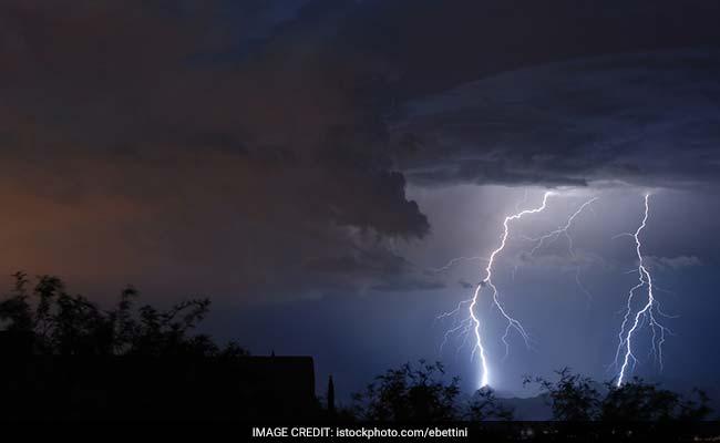 बिहार: आसमानी बिजली और आंधी-तूफान ने ली 11 की जान, दो बच्चियों की भी मौत