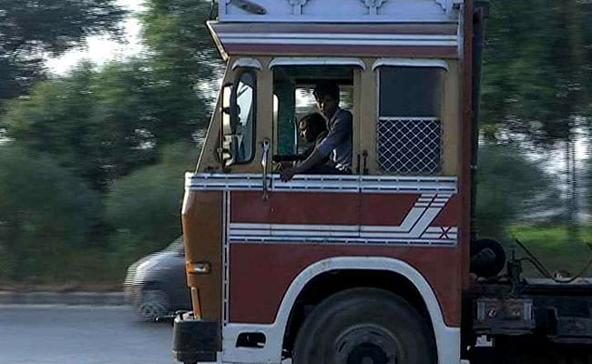 BS-III Vehicle Ban To Cost Rs 2,500 Crore For Truck Makers: Crisil