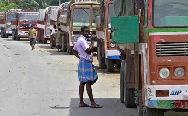 बिहार: आज रात 12 बजे से ट्रकों की अनिश्चितकालीन हड़ताल, ये हैं मांगें