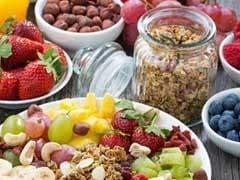 Immune-Boosting Foods: इम्यूनिटी को मजबूत बनाने के लिए डाइट में करें शामिल, ये चार चीजें