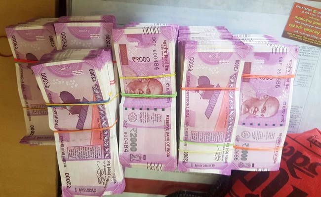 Inside A Honda In Surat, 76 Lakhs In New 2,000-Rupee Notes