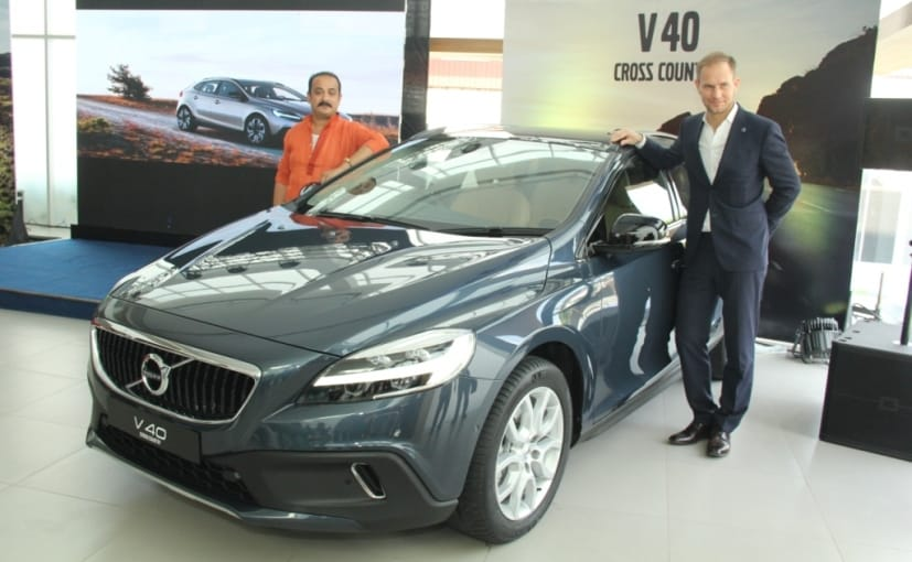 2017 Volvo V40 And V40 Cross Country Launched In India Prices Start
