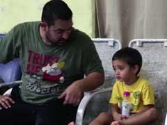 5 साल के बेटे आजाद के साथ आमिर खान ने आजमाए कुश्ती के दांव, देखें वीडियो