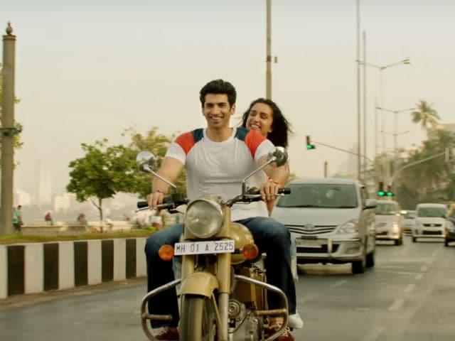 OK Jaanu Title Track: Shraddha Kapoor, Aditya Roy Kapur's Bike Ride Will Make You Hit The Road