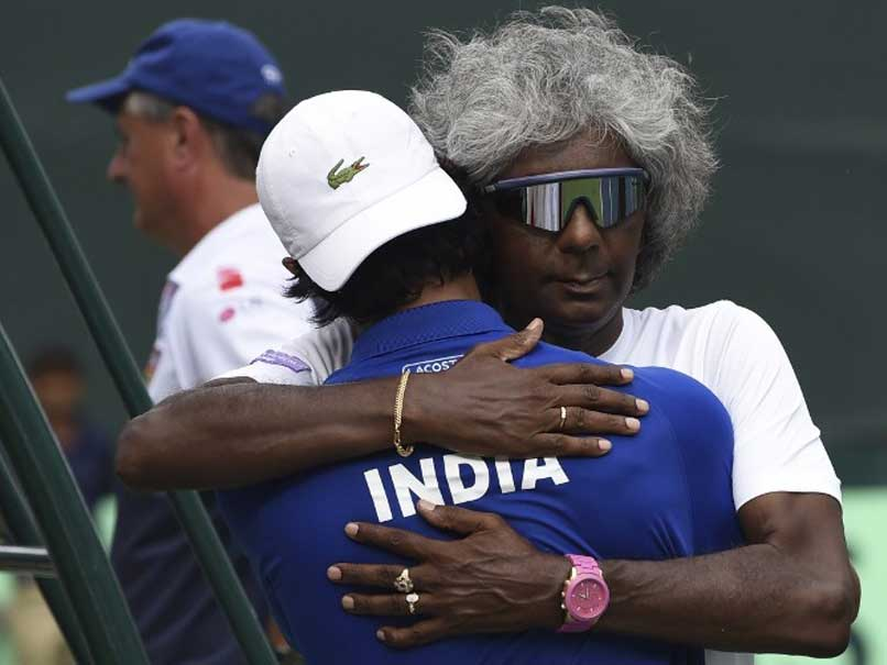 Anand Amritraj Gets Support From India